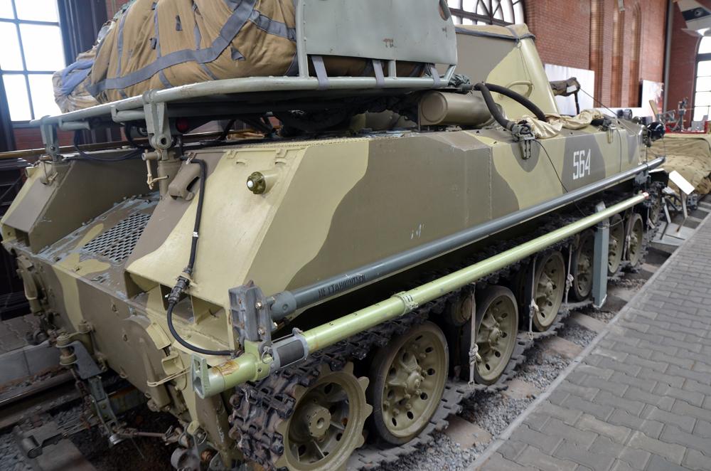 http://www.kpopov.ru/military/avtovaz_museum_12/dsc_7988.jpg